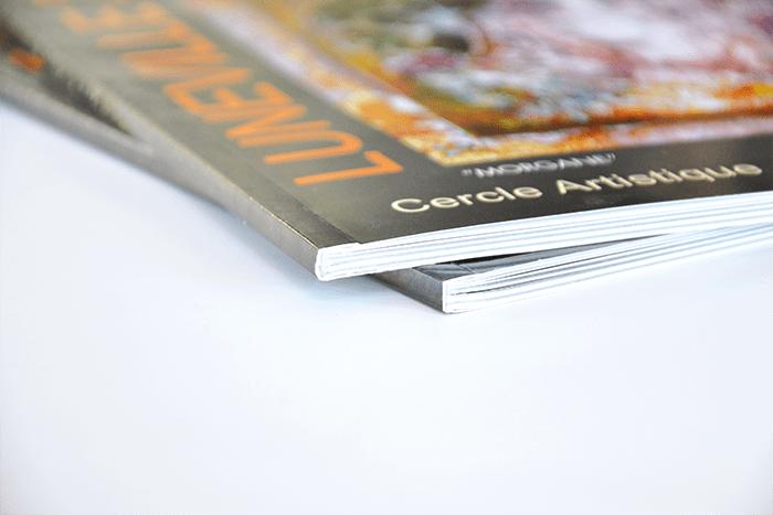 Livres avec dos carré collé